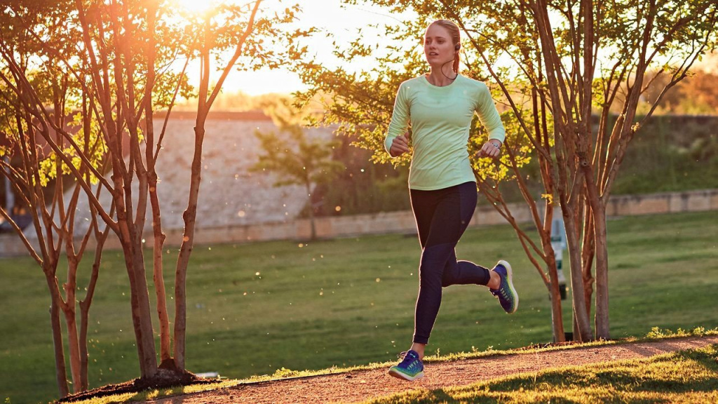 Long distance running has several technical features
