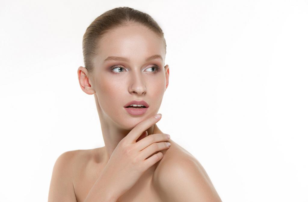 Натуральные масла с успехом выполняют многие полезные функции для кожи лица
