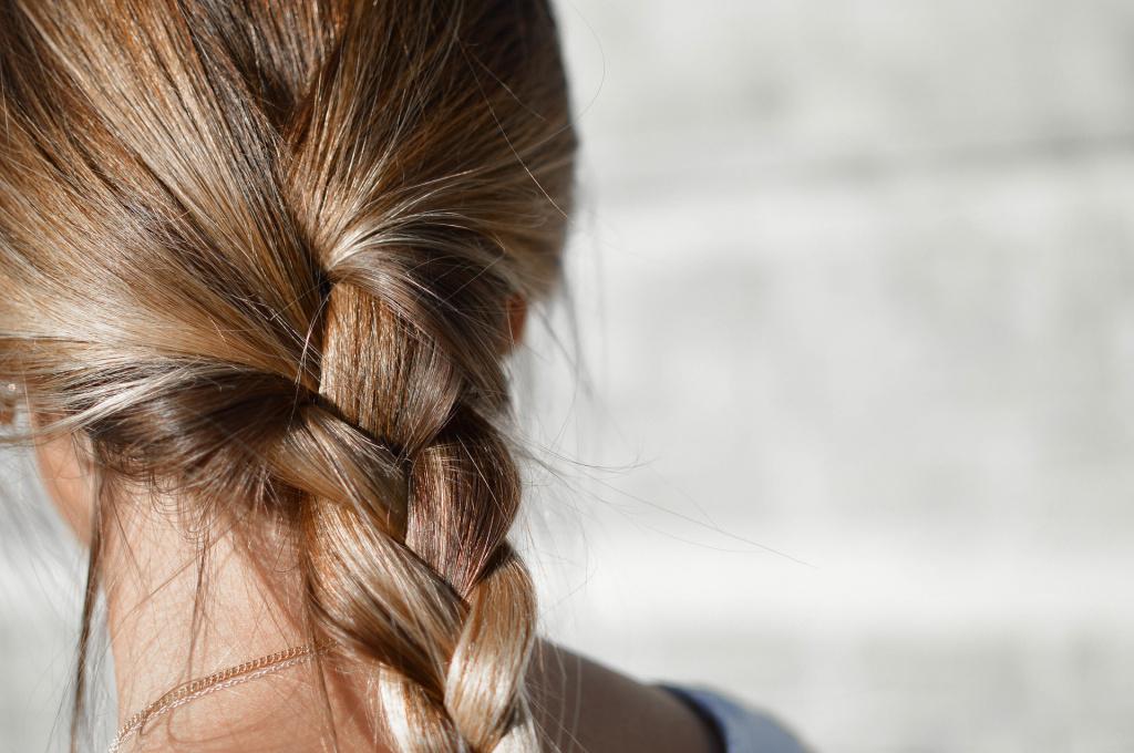 blur 1853957 1920 - Народные средства для ускорения роста волос на голове