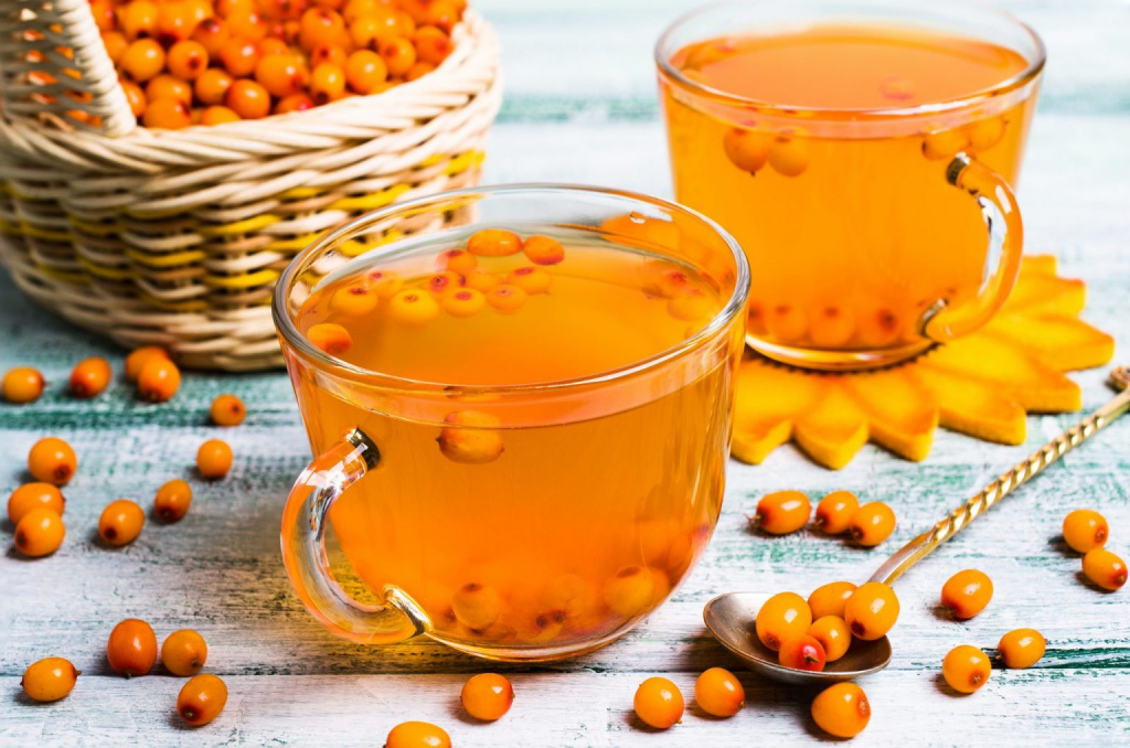 The active ingredients of sea buckthorn lower cholesterol levels. Pectins and fiber normalize intestinal motility.